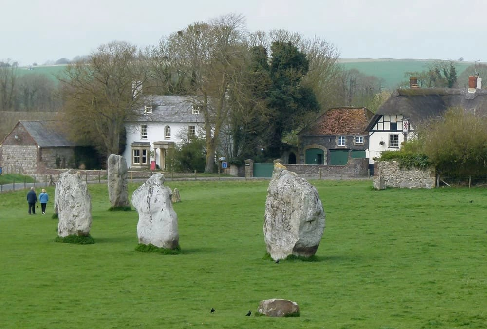 Uncovering the Mystery of Avebury's Stones