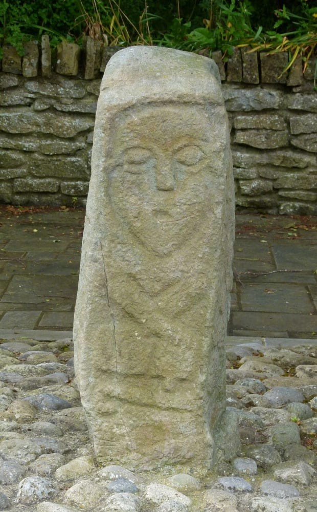 Side pillar, Donagh Cross