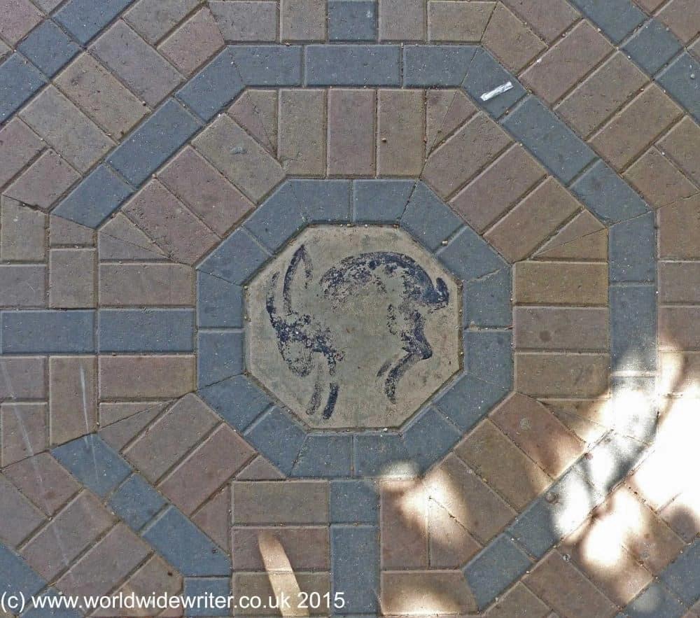 Jubilee Garden Labyrinth, Saffron Walden - www.worldwidewriter.co.uk