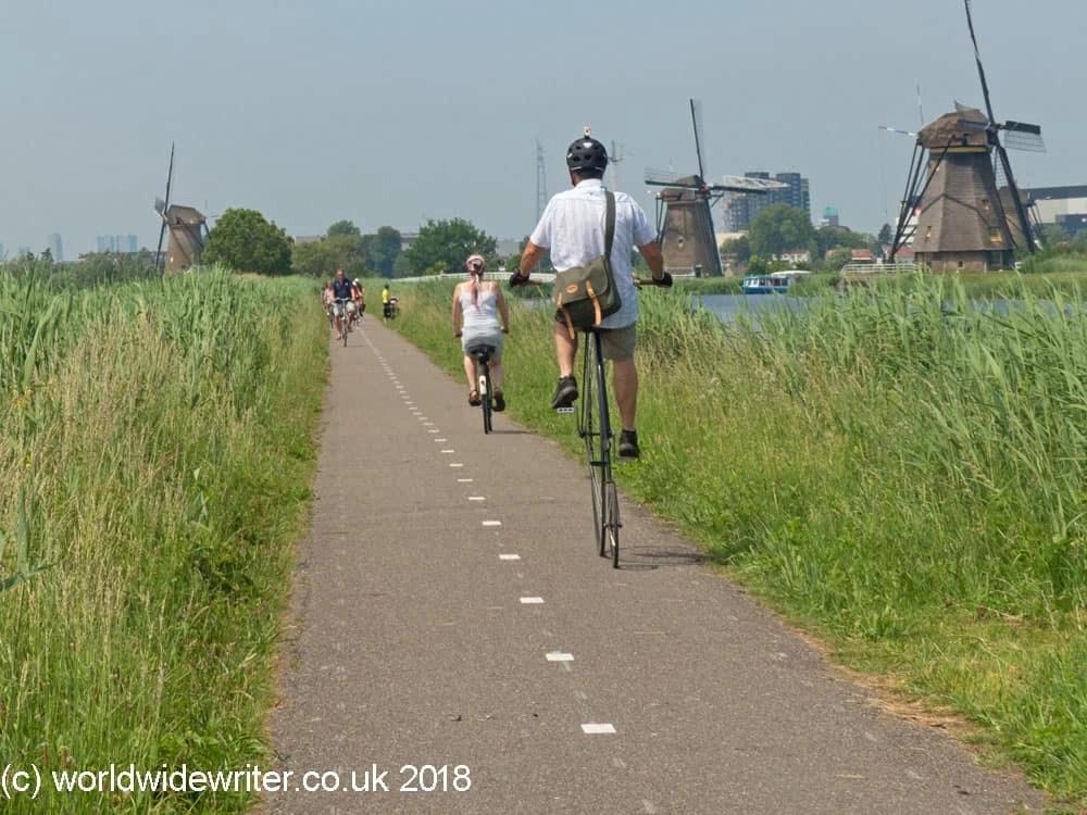 Cyclists at Kinderdijk