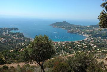 Travel guide to visit Saint-Raphael, France