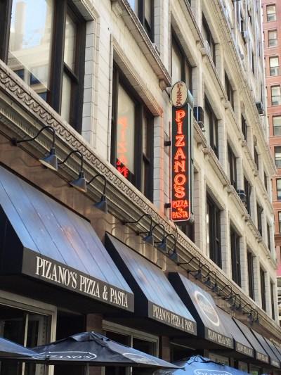 Pizano's deep dish pizza | Millenium Park | Chicago | Illinois