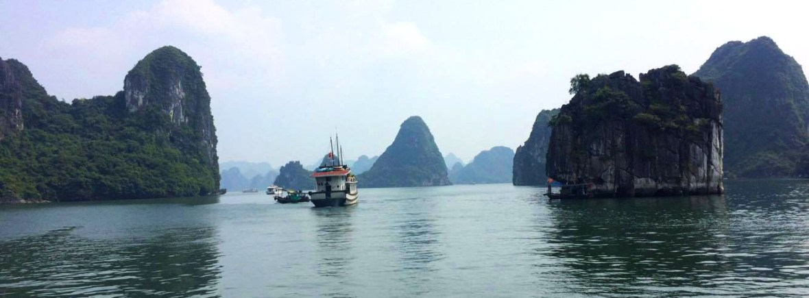 Halong Bay boat tour | Hanoi | Backpacking Vietnam