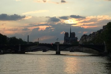 Sunset over the Seine River | Travel guide to 5 days in Paris, France