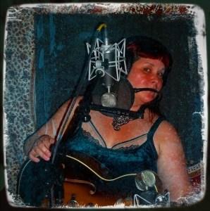 Calgary-based Reno musician, Danielle French