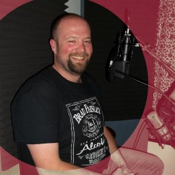 Robert Clark - guitar and vocals fro Sil Shoda