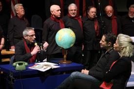 MGV-Union-Sänger Rolf Ahrens ist nicht nur im wirklichen Leben im Reisebüro Kattwinkel tätig, sondern auch auf der Bühne (Foto: Björn Othlinghaus)