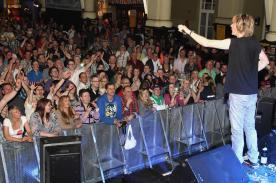 Mickie Krause hatte die Menge wie immer voll im Griff (Foto: Björn Othlinghaus)