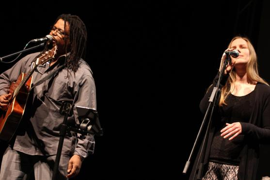 Tlako Mokgadi und Ulrike Wagner. (Foto: Björn Othlinghaus)