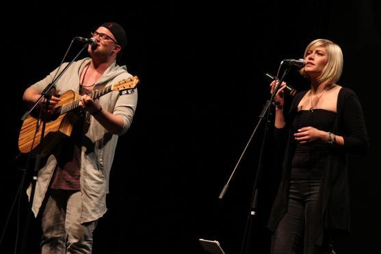 Duo HonigMut mit Nando Andreas und Melina Fuhrmann. (Foto: Björn Othlinghaus)
