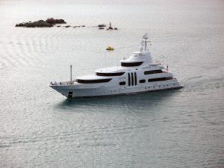 millionaire-yacht