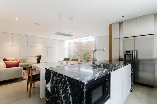 On The Market Three Bedroom Modernist Mews House In