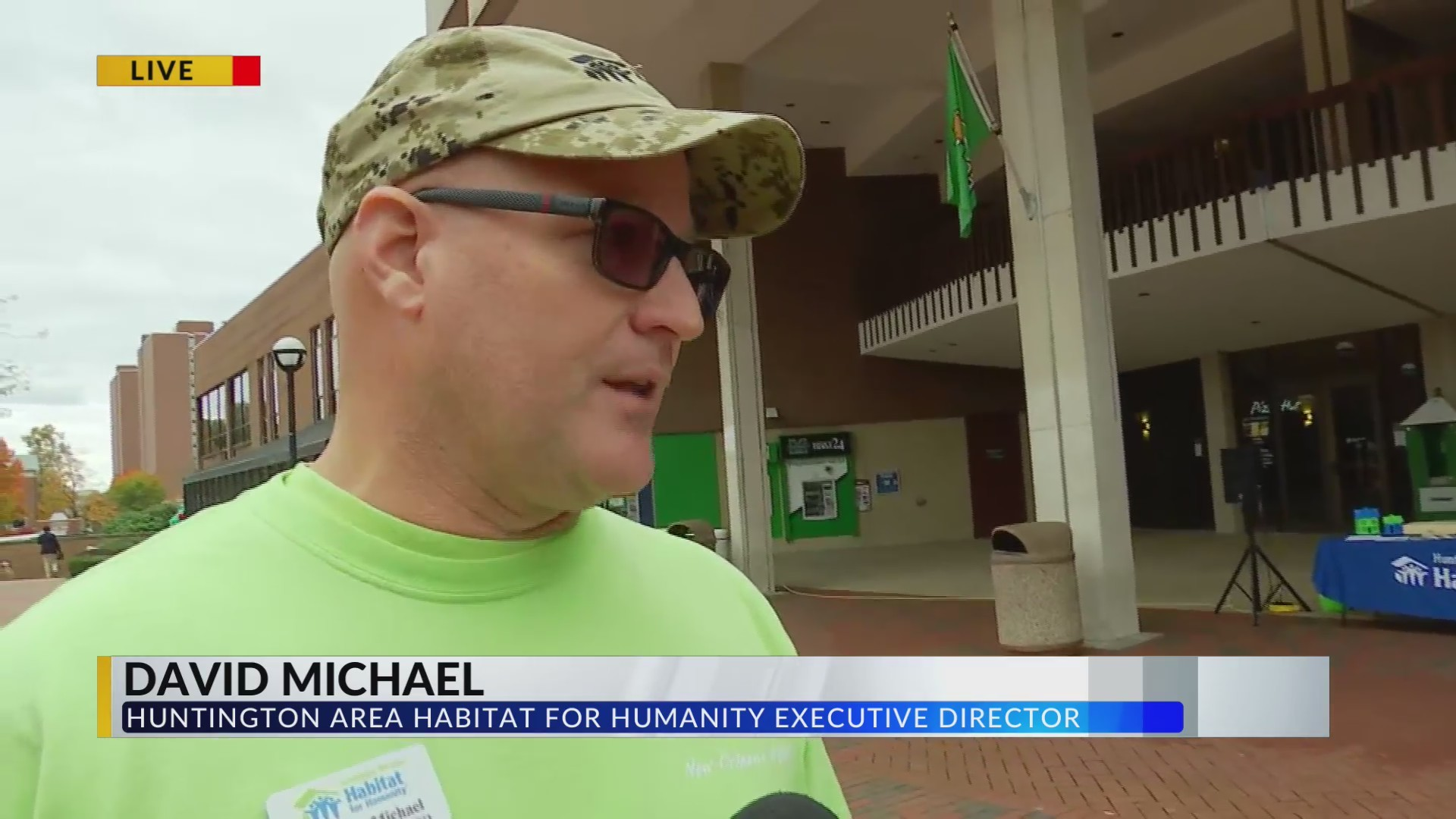 Habitat for Humanity Build Wall With Help From Marshall Students