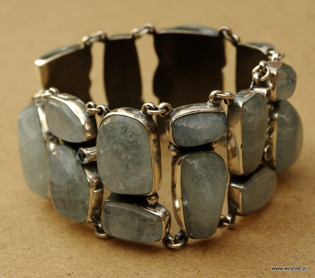 Srebrna bransoleta z akwamarynem