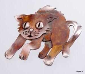 Srebrna broszka Kot Wystraszony