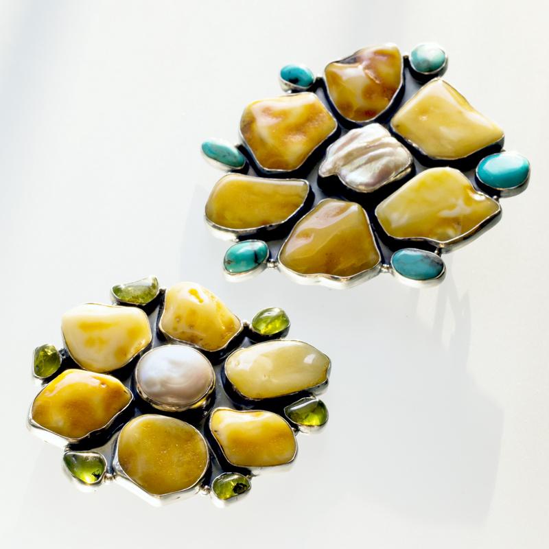 Srebrny broszko-wisior Kwiat z bursztynami, perłą i kamieniami naturalnymi