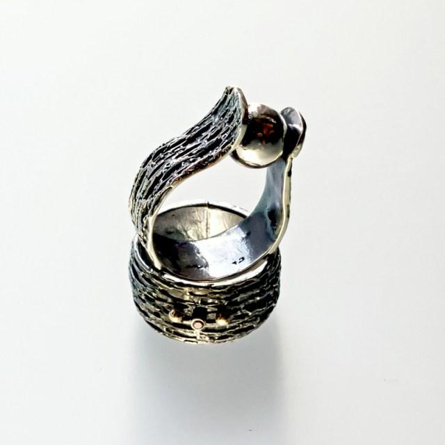 Srebrny pierścionek Trawiony z kulką lub cyrkonią i złotymi kulkami