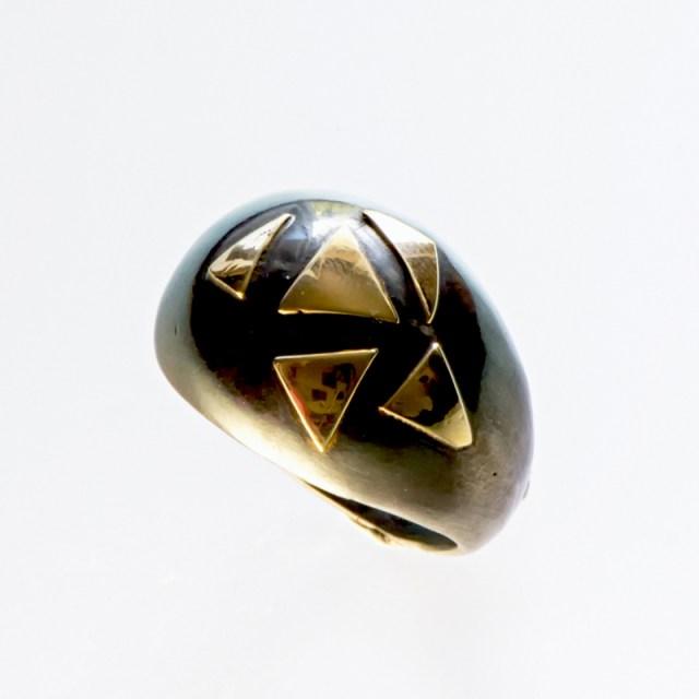 Srebrny pierścionek Trójkąty ze złotymi elementami
