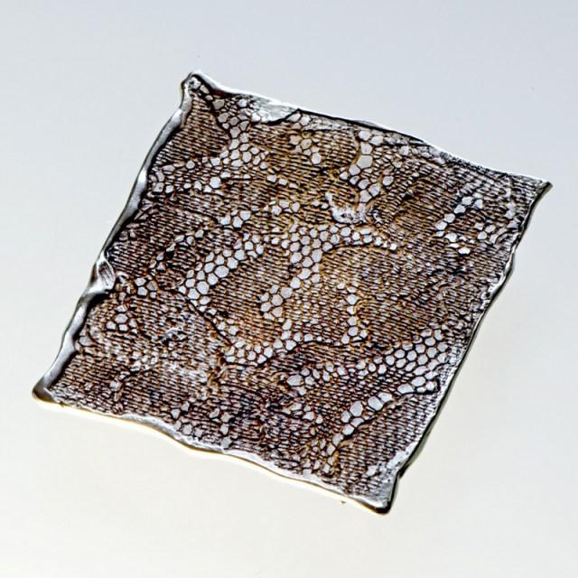 Srebrna broszka Tkanina