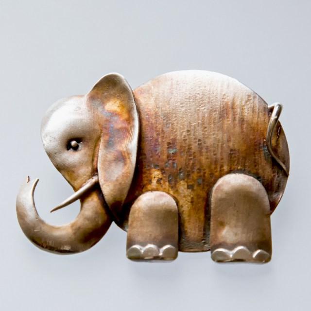 Srebrny broszko-wisior Słoń