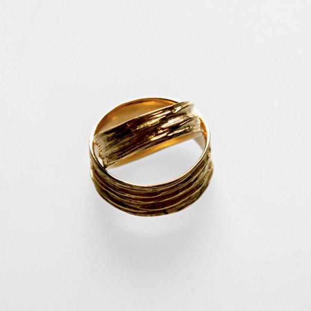 Złote lub srebrne obrączki Gniecione