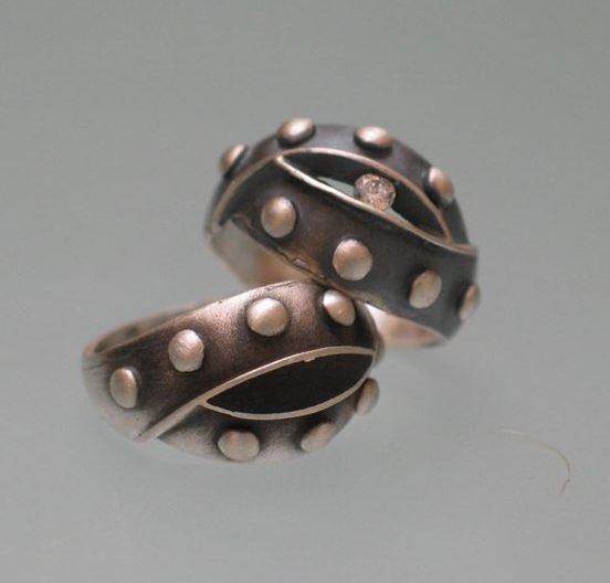 Srebrny pierścionek Nitowany z cyrkonią lub bez