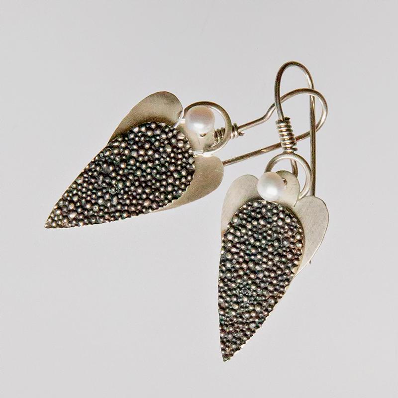 Srebrne kolczyki Anioły - Granulacja z perłami