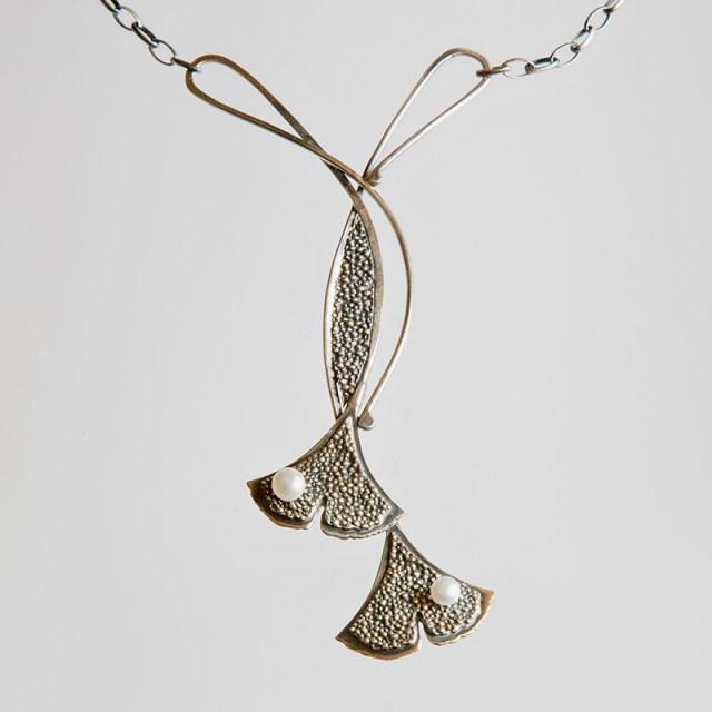 Srebrny naszyjnik Ginko - Granulacja z perłą