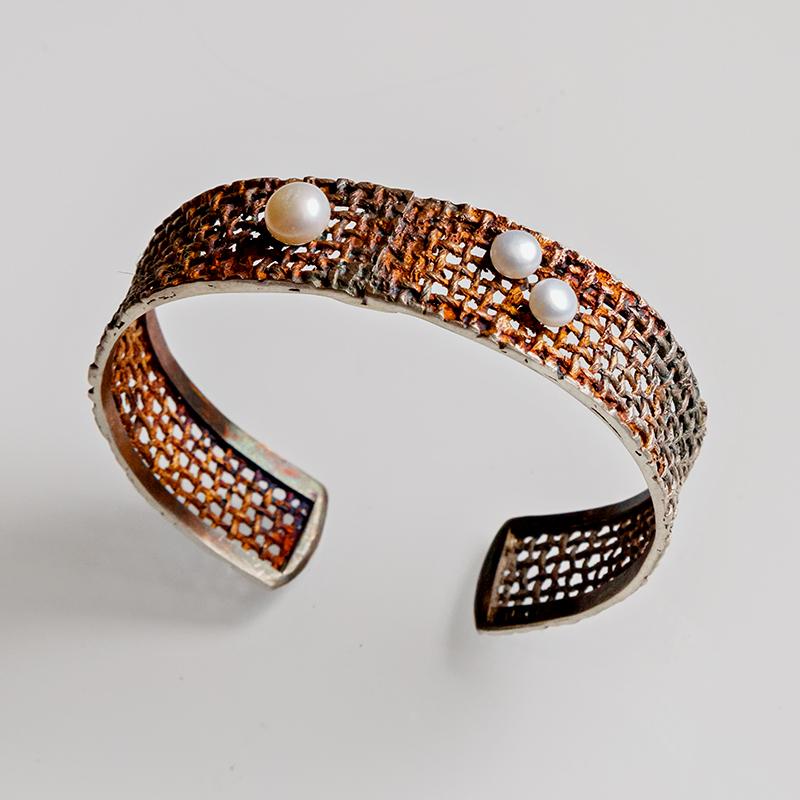 Srebrna bransoleta Yuta z perłami