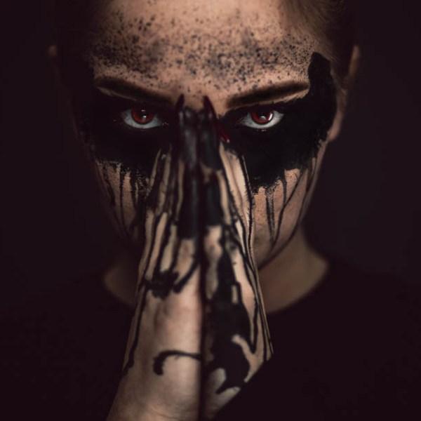 Veröffentlichung im Dark Beauty Magazine