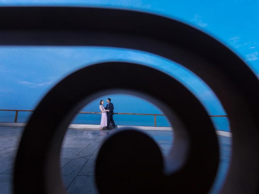 shoot-through frames wedding photography
