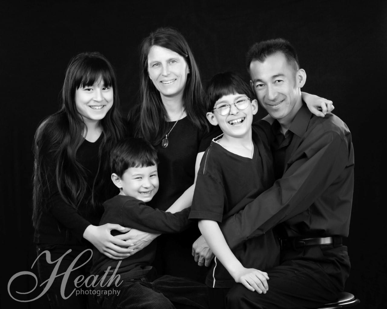FAMILY SESSION & FRAMED PRINT <br/> Donated by: HEATH PHOTOGRAPHY <br/> Valued at: $390