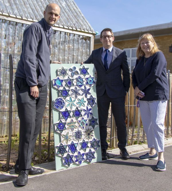 Pengillys sponsor Damers First and the Open for Art Exhibition