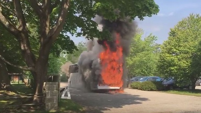 Newport Breakers Mansion bus fire_308396