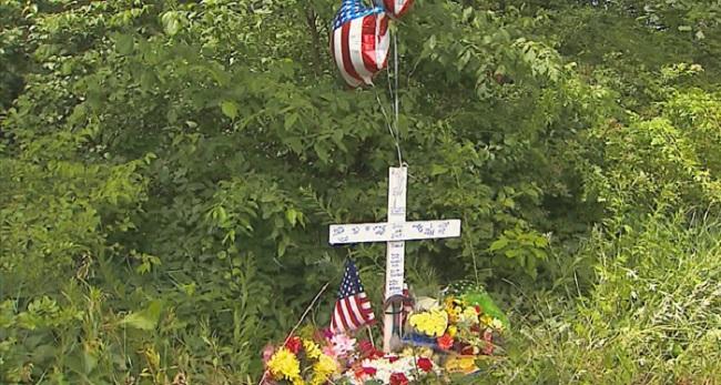 Memorial held for victim of fatal motorcycle crash_325119