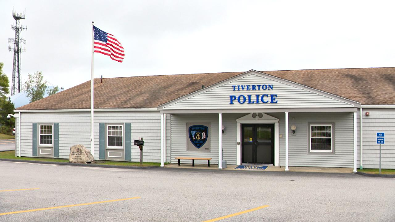 tiverton-police_363678