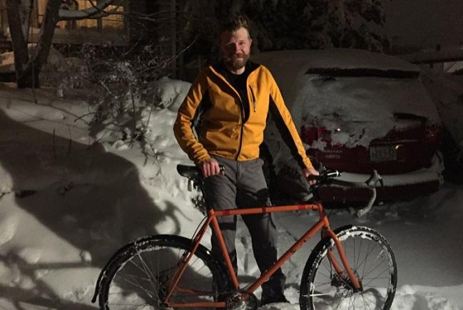 williams-local-man-biking-in-the-snow_422971