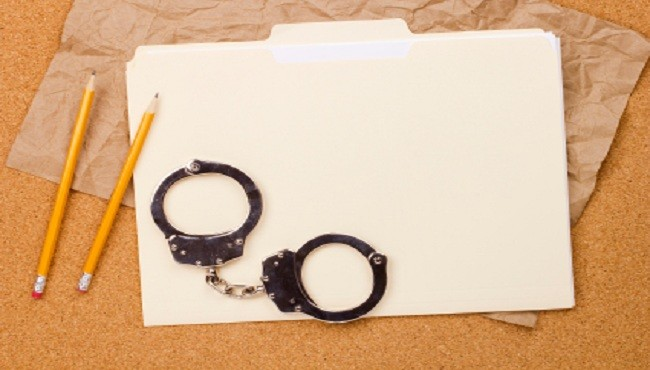 Handcuffs and Folder_18418
