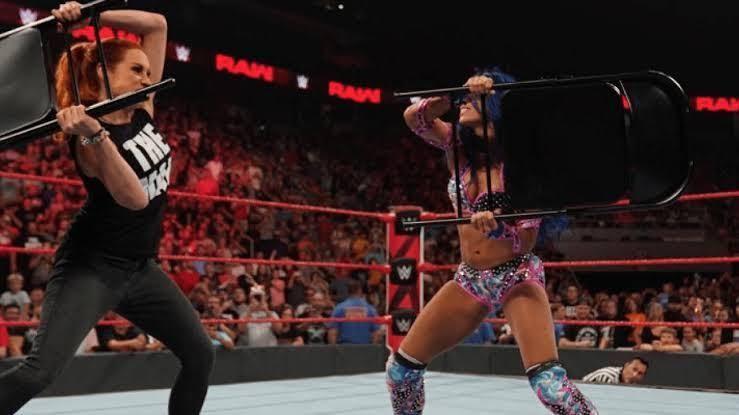 Sasha Banks Becky Lynch Brutal clash
