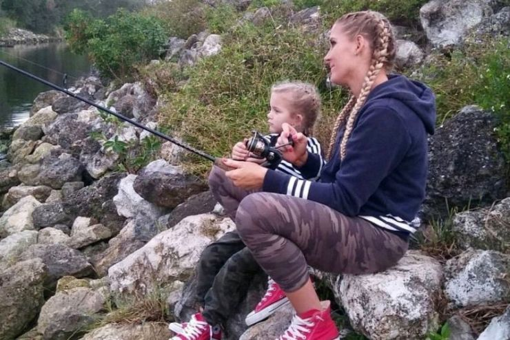 Lacey Evans spending some quality time with her daughter