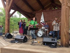 [LISTEN] Arts on Fire – 2016 WRFA Great American Picnic: Cindy Love & The Moose Club