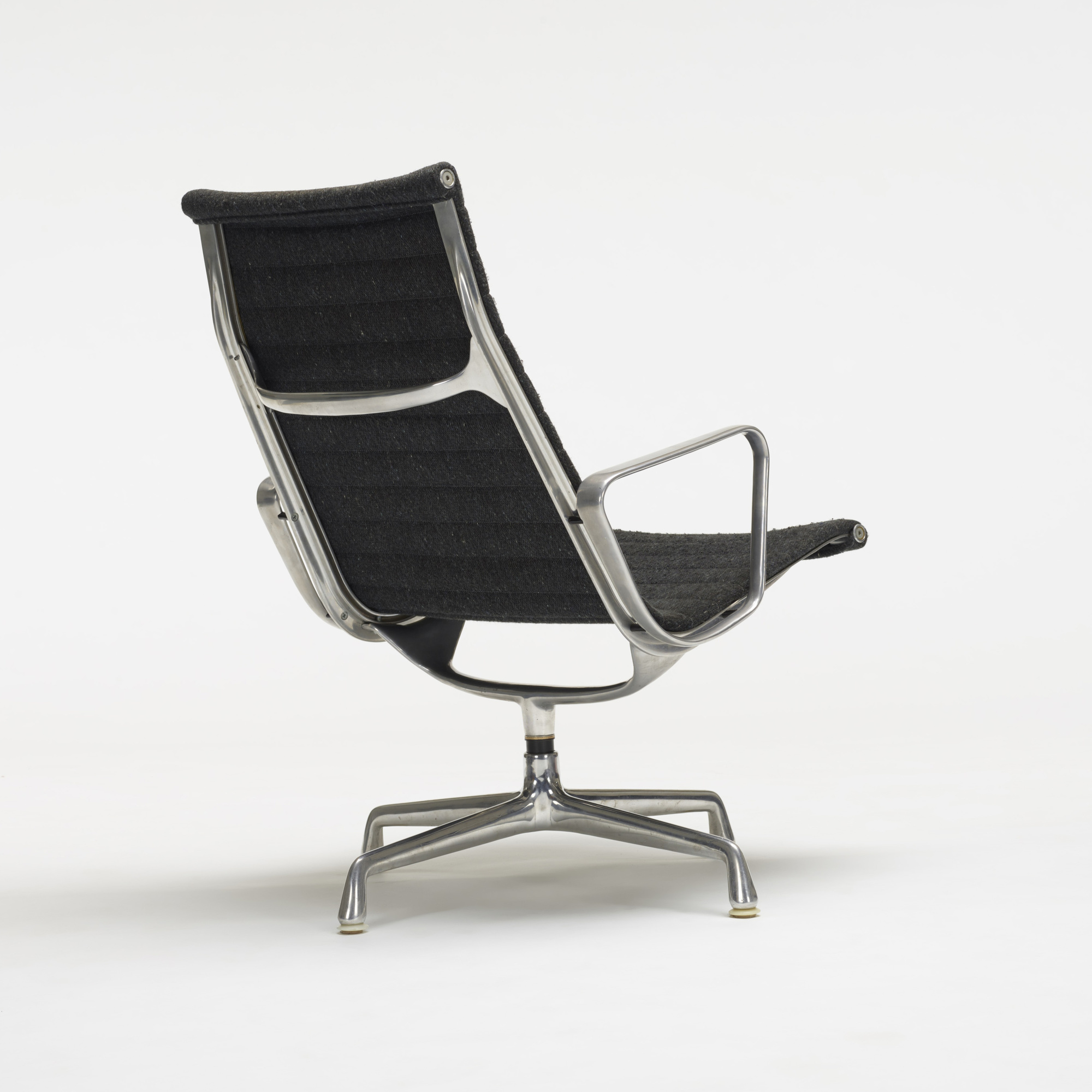 Charles And Ray Eames Aluminum Lounge Chair Year Of Clean Water
