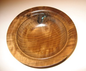 Walnut bowl 01