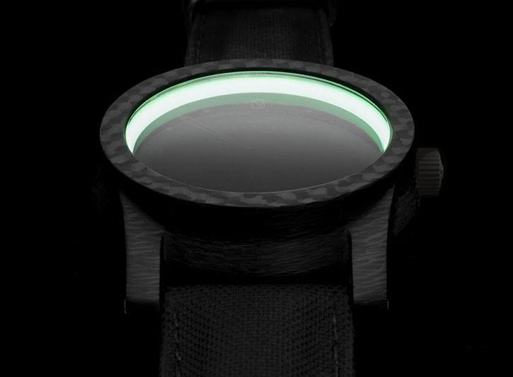 schofield-blacklamp-carbon_5
