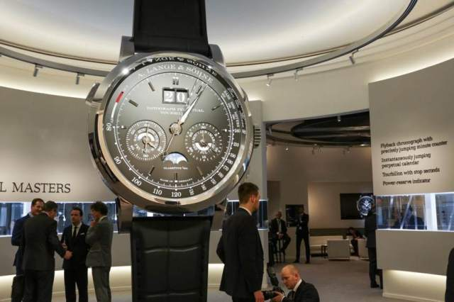 SIHH-2016-Event-Fair-Atmosphere-Ambient-B-Roll-Broll-aBlogtoWatch-6