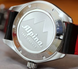 Alpina-GMT-4-Business-Hours-13