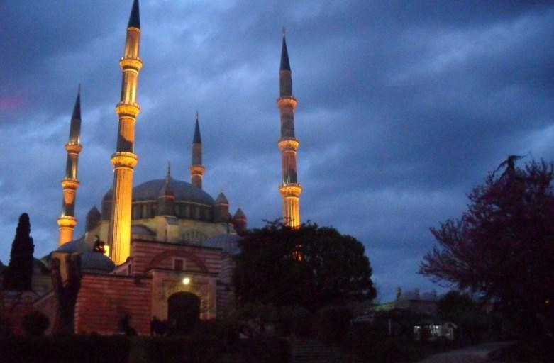 Edirne kontra Stambuł. Bitwa na meczety