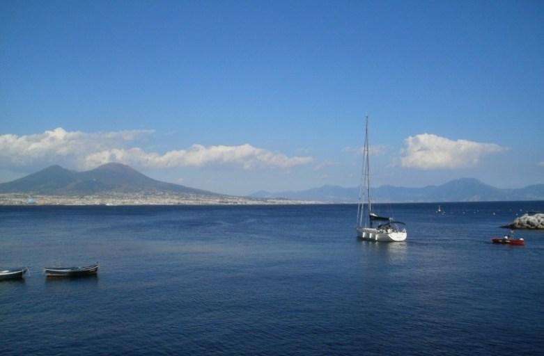 Neapol latem – słońce, lody i spacery po promenadzie