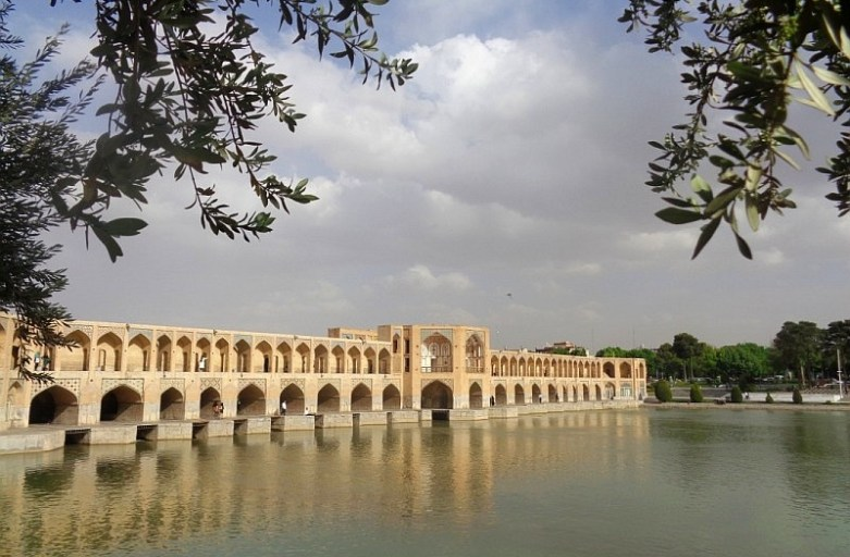 mosty w isfahan