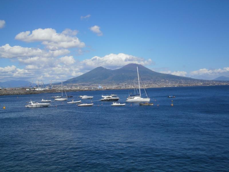 Neapol nadmorski. Plaże, zabytki i ciekawe miejsca
